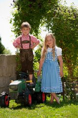 Kinder_Dirndl_4.jpg